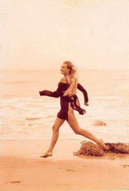 Model:Louise BJERREGAARD, wearing Donna KARAN Stylist:Julia PERRY Hairdresser:Judd DOUGLAS-MINTER Location:El Matador Beach